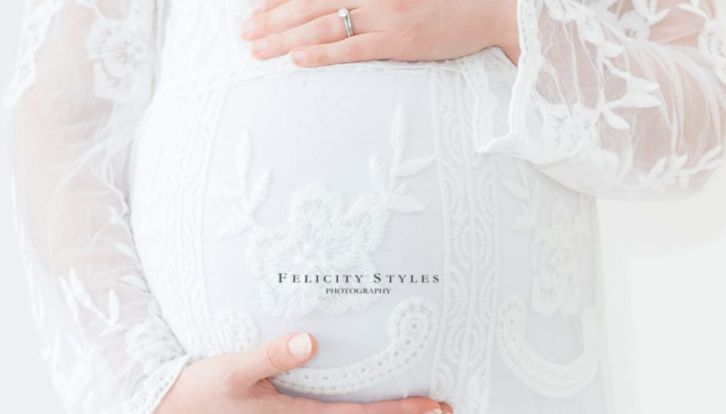 family photograophy bundoora, Felicity styles photography, Feeling empowered in your maternity session